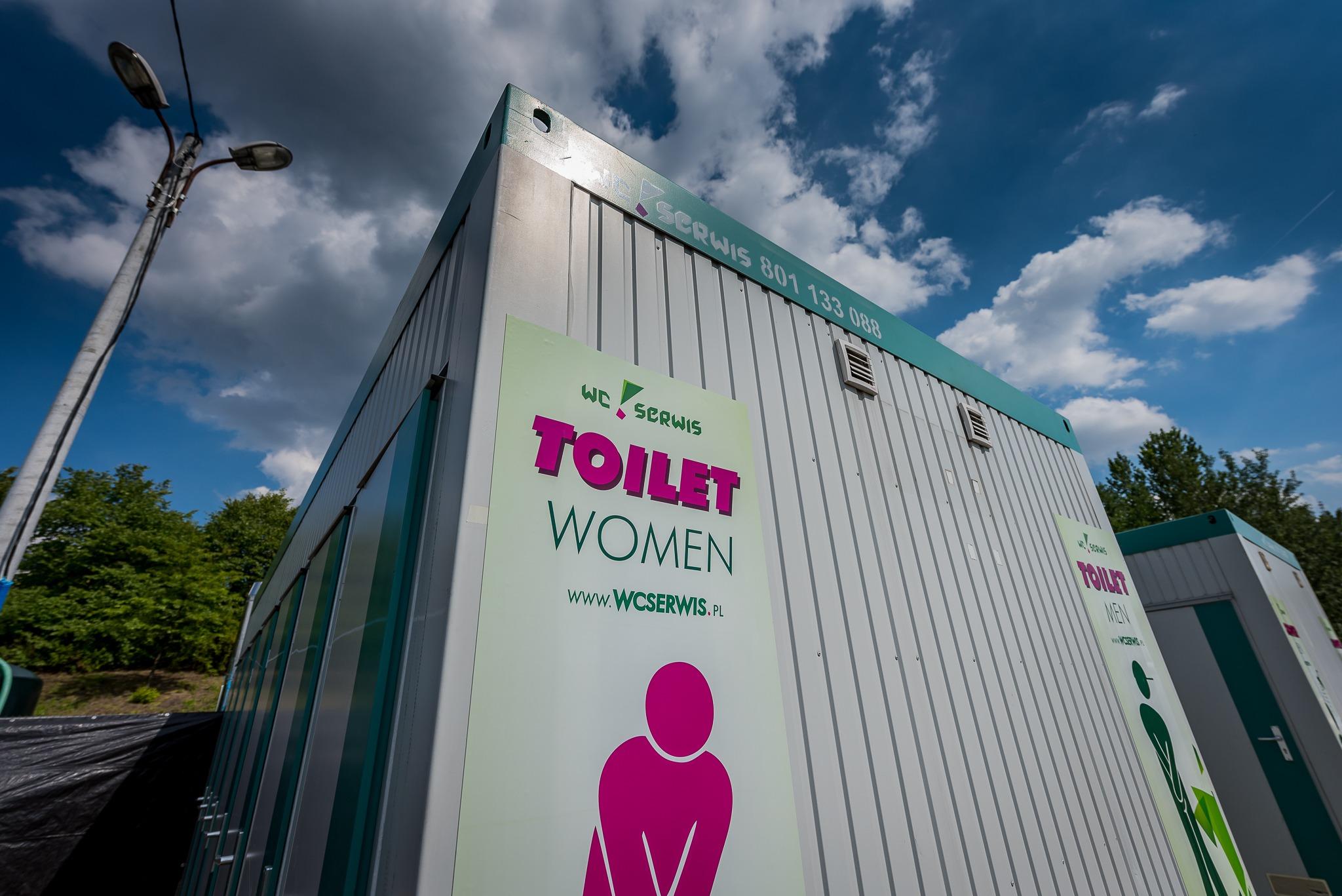 Przenośna toaleta na wydarzenia