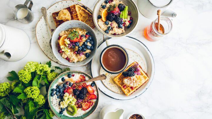 Lewiatan gazetka – 3 pomysły na pożywne śniadanie